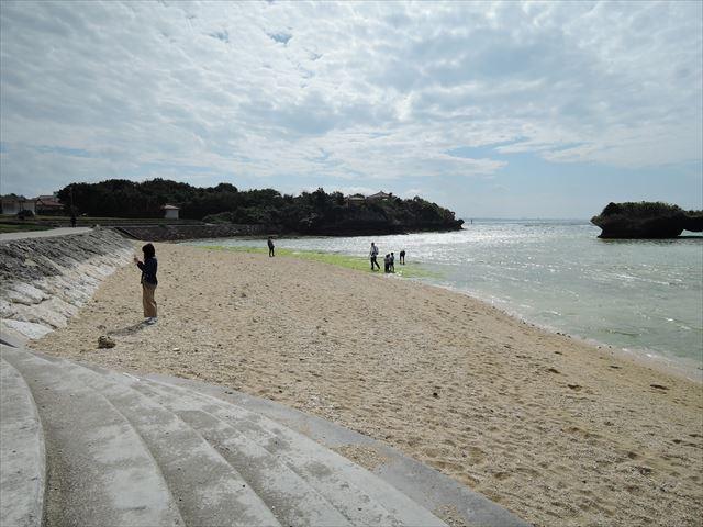 ビーチ左側