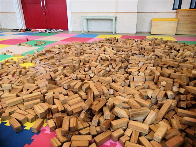 積み木がたくさんある