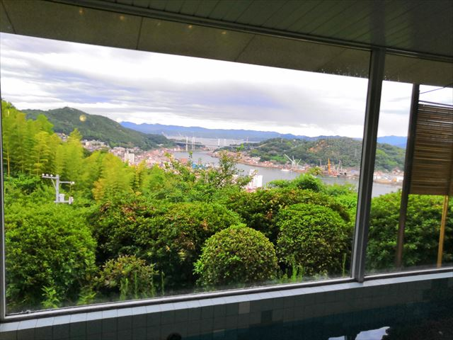 浴槽からの風景
