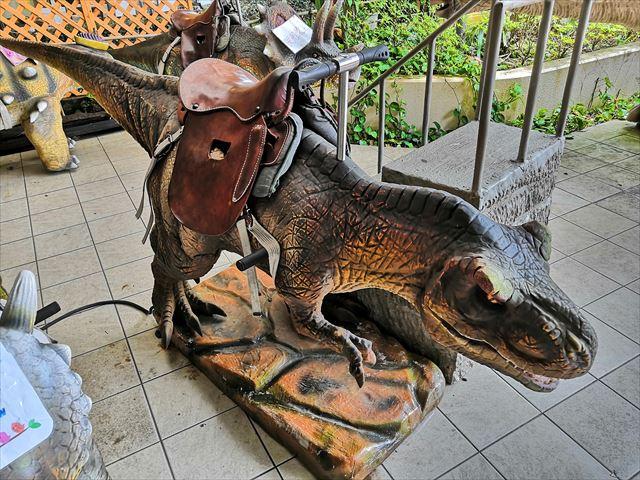 恐竜の乗物