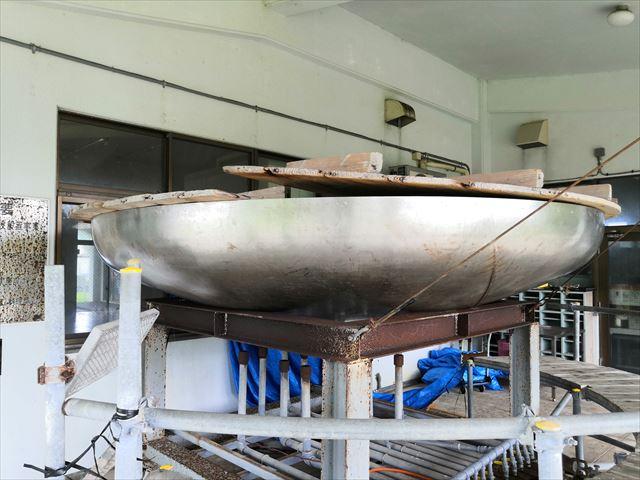 巨大鍋アップ