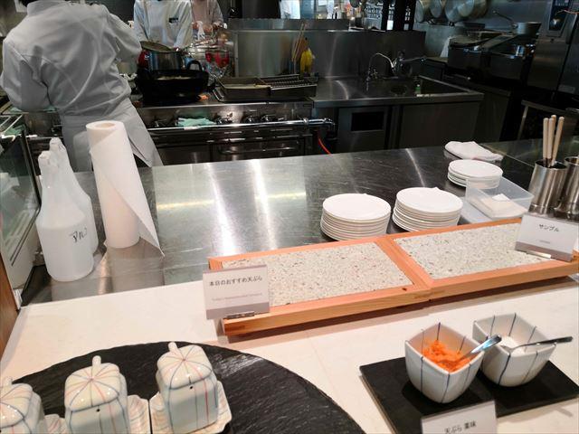 天ぷら挙げているところ