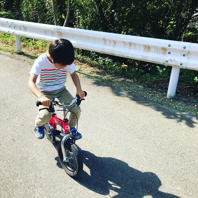 【沖縄子育て】へんしんバイクで一発で自転車に乗りやがった!