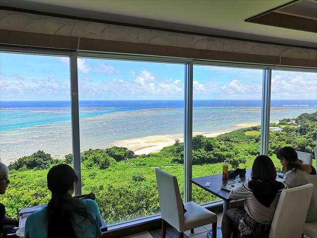 【沖縄観光】絶景カフェ「やぶさち」で絶品ランチ!