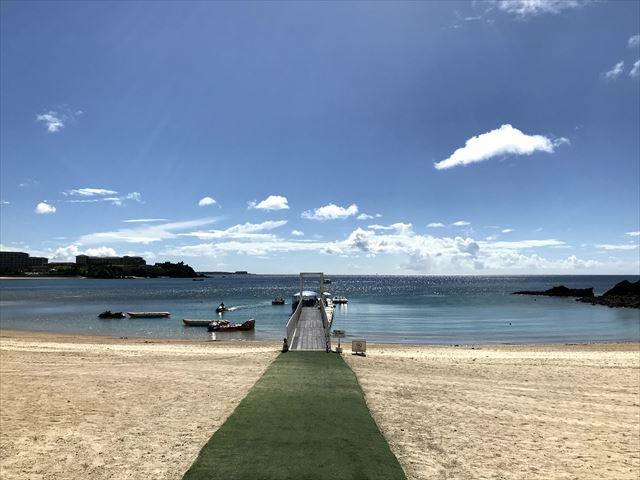 【沖縄ビーチ】魚もいるよ!恩納村の「かりゆしビーチ」