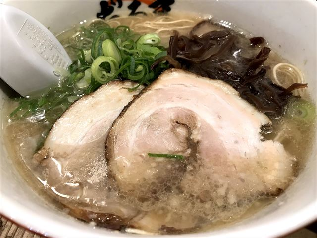 【福岡ラーメン探訪記】博多駅「博多だるま」はビールもセットでお得!