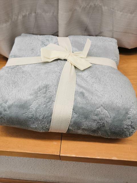 ニトリの着る毛布とルームシューズで沖縄の冬を乗り切る